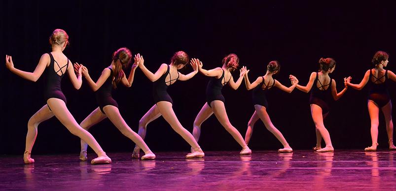 photo danseuses de l academie de danse de dos